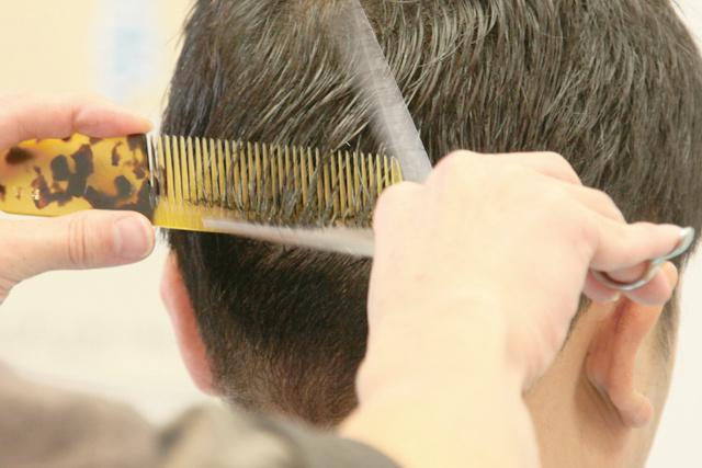 岡山で床屋・人気の理髪店をお探しなら「さんぱつひろば」へ